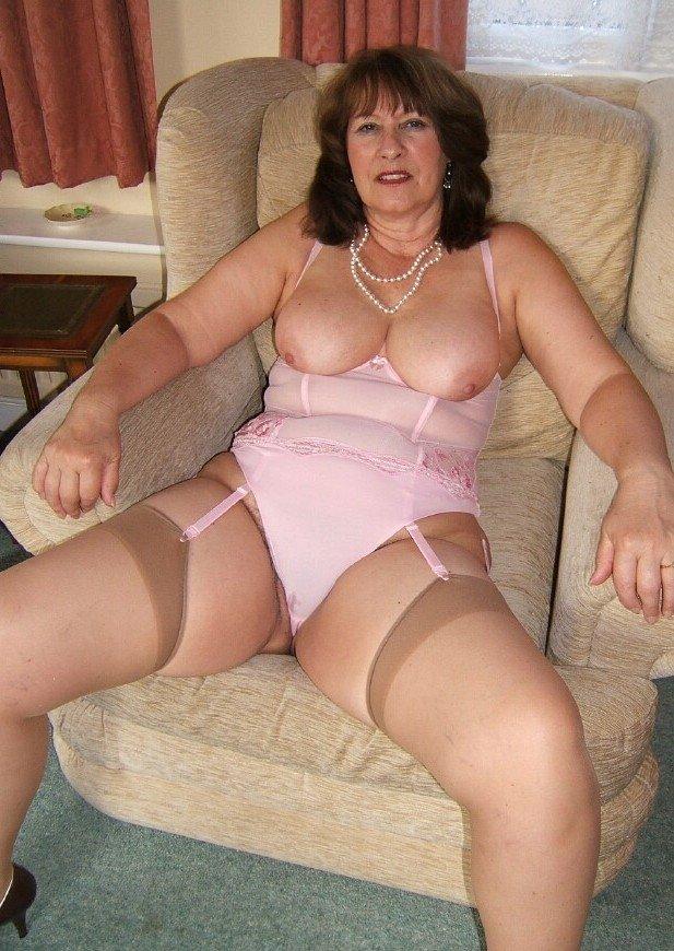 порно фото зрелые женщины в белье как она